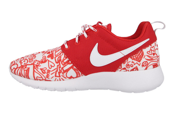 BUTY NIKE ROSHE ONE VALENTINE'S DAY GS 677784 605